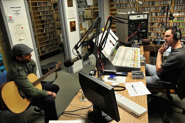 guitariste animateur radio