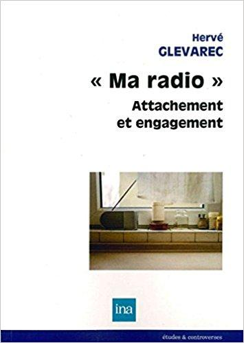 radio attachement et engagement